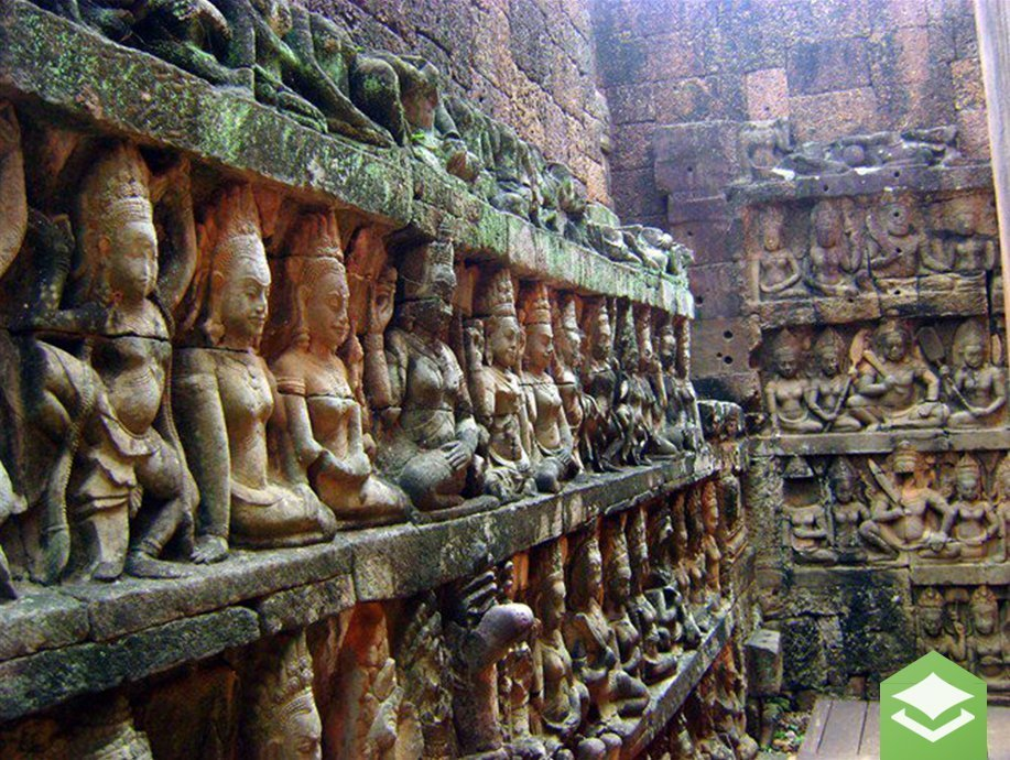 cambodia temple with statues