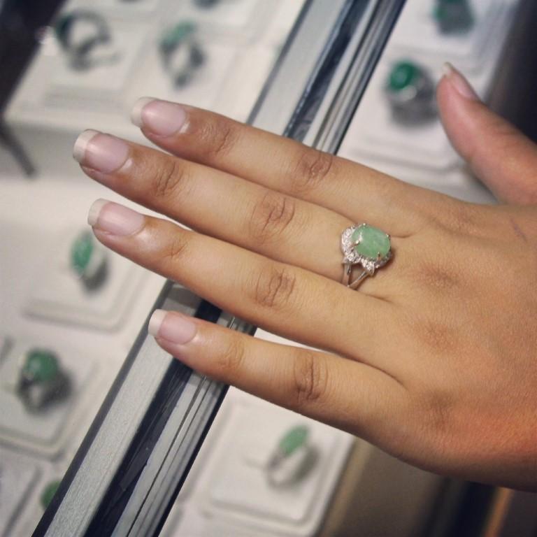 InternChina - Jade Ring