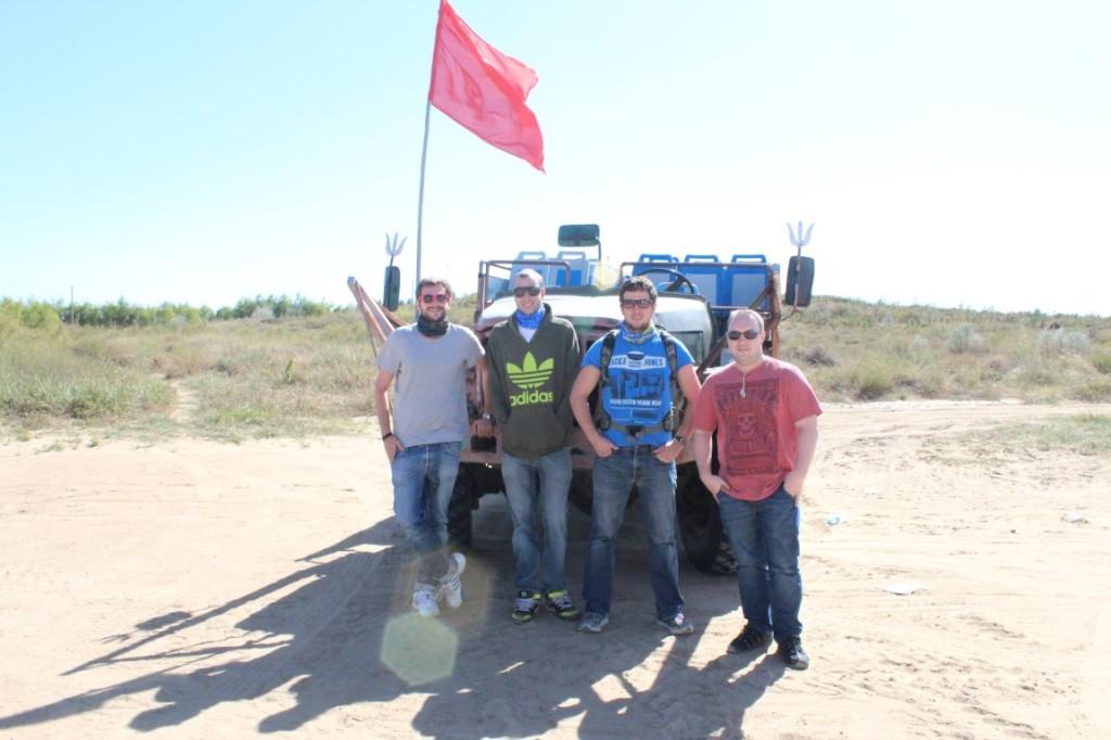 InternChina - Changing jeeps for desert run :)