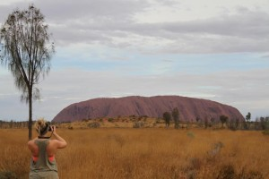 InternChina - Me, my camera, the Ayers Rock and a thursty tree