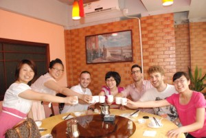 interns-out-to-lunch-with-their-Mandarin-teacher-build-guanxi