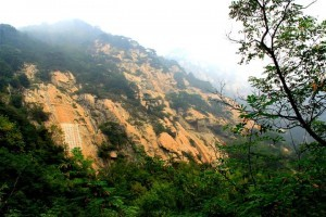 InternChina-Tai-Shan,-one-of-the-Five-Great-Mountains-of-China