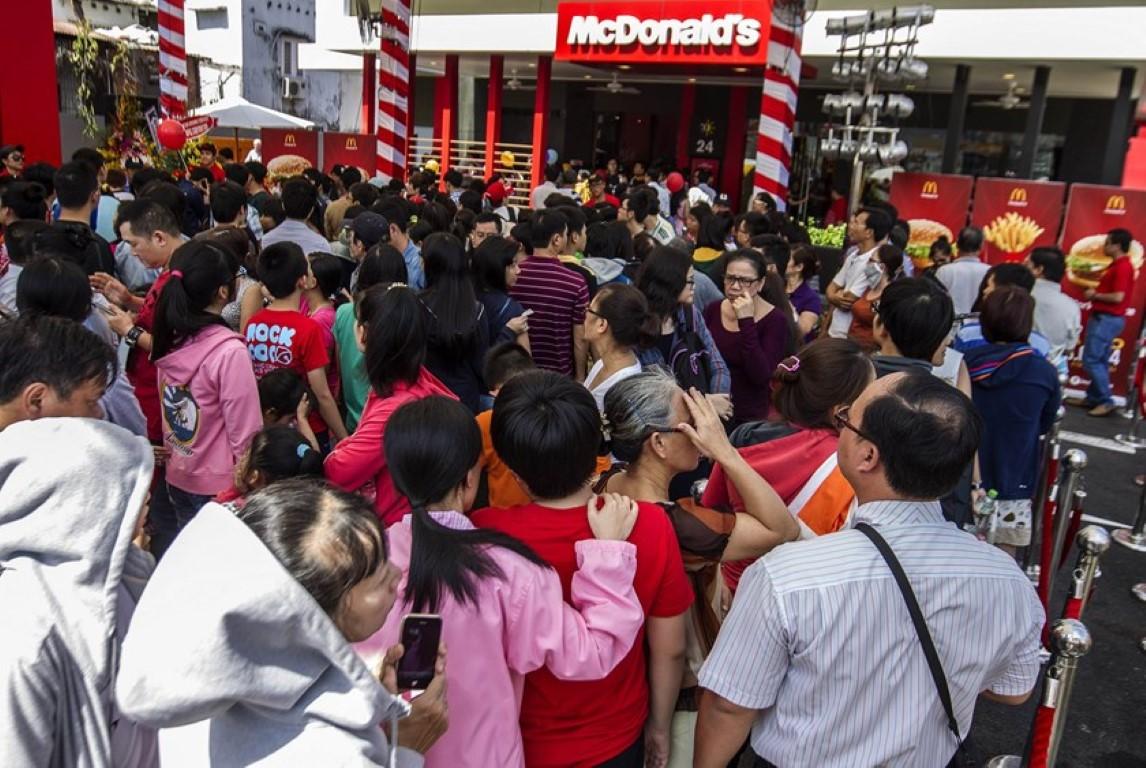 Vietnam queue