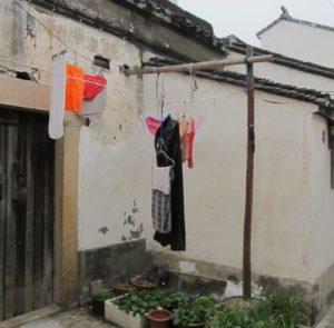 Wäsche auf der Straße trocknen, china, kultur, reisen, unterschied, alltag, chinesisch
